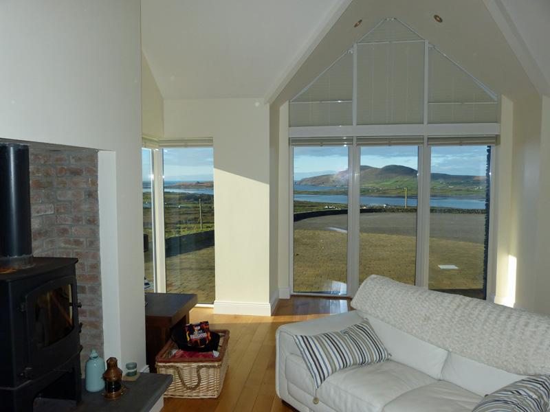 Ferienhaus, Kerry, Irland, Lighthouse View - Atlantic Dreams, Wohnraum mit Meerblick. Ferienhäuser mit Meerblick mieten in Irland - Cottages mit Seeblick mieten entlang des Ring of Kerry in Irland