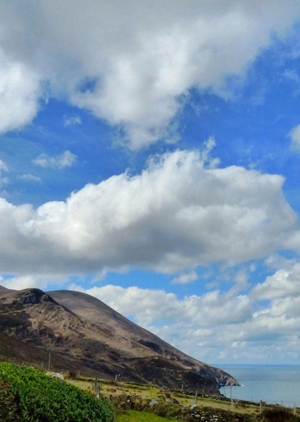 Ferienhaus, Kerry, Irland, A Grá mo Croí, Meer- und Bergsicht aus dem Schlafzimmerfenster, Ferienhäuser mit Meerblick mieten in Irland - Cottages mit Seeblick mieten entlang des Ring of Kerry in Irland
