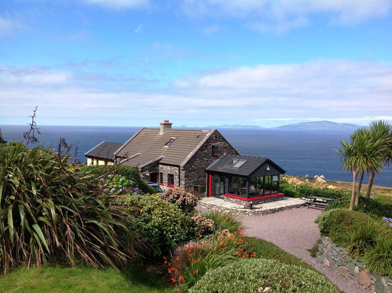 Ferienhaus, Kerry, Irland, A Grá mo Croí, Haus von außen, Ferienhäuser mit Meerblick mieten in Irland - Cottages mit Seeblick mieten entlang des Ring of Kerry in Irland