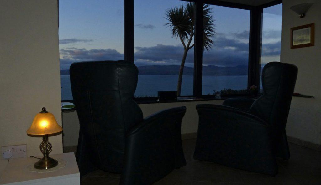 Ferienhaus, Kerry, Irland, A Grá mo Croí, Meerblick aus dem Wohnzimmerfenster, Ferienhäuser mit Meerblick mieten in Irland - Cottages mit Seeblick mieten entlang des Ring of Kerry in Irland