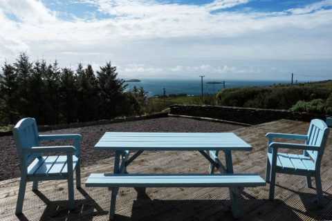 Ferienhaus, Kerry, Irland, Ard na Gaoithe, Terrasse, Ferienhäuser mit Meerblick mieten in Irland - Cottages mit Seeblick mieten entlang des Ring of Kerry in Irland