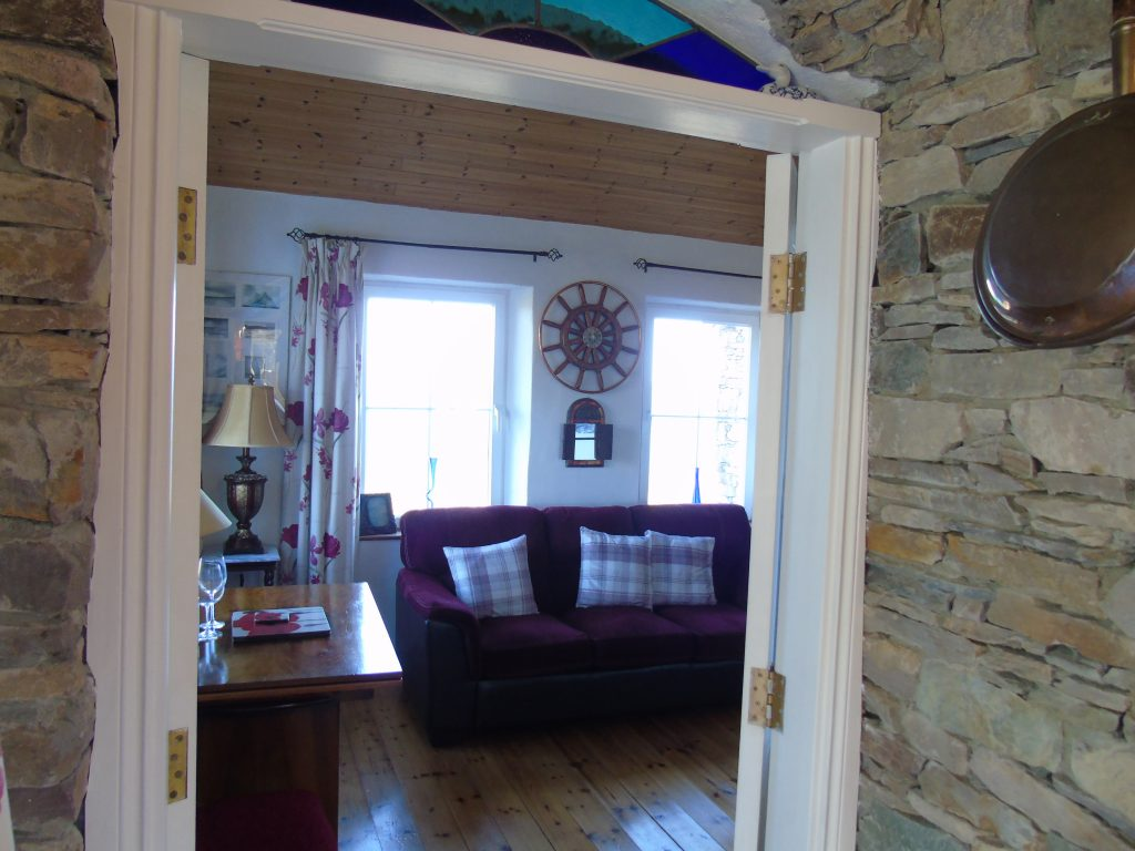 Holiday Cottage in Ireland, Heather Cottage, Living Room with Sea View