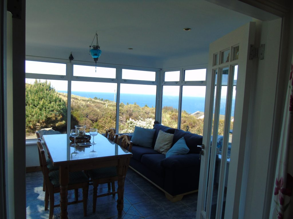 Holiday Cottage Ireland, Heather Cottage, Sun Room with Sea View