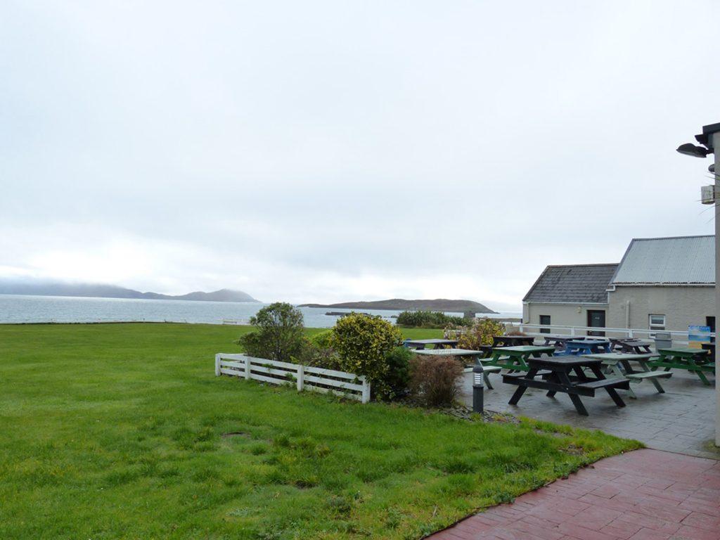 Ferienhaus, Kerry, Irland, Caseys Cottage. Biergarten Cable o'Learys, ca. 6km. Ferienhäuser mit Meerblick mieten in Irland - Cottages mit Seeblick mieten entlang des Ring of Kerry in Irland
