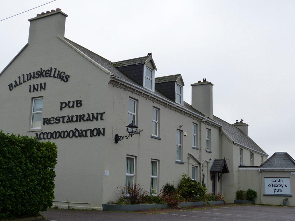 Ferienhaus, Kerry, Irland, Caseys Cottage. Cable O'Learys Pub in Ballinskelligs, ca. 6km. Ferienhäuser mit Meerblick mieten in Irland - Cottages mit Seeblick mieten entlang des Ring of Kerry in Irland