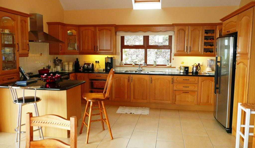 Holiday Cottage, Kerry, Ireland, Ard na Gaiote, Dining with Sea View, Pict.2, Holiday Home with Sea and Mountain Views for Rent in Ireland along the Ring of Kerry, VRBO