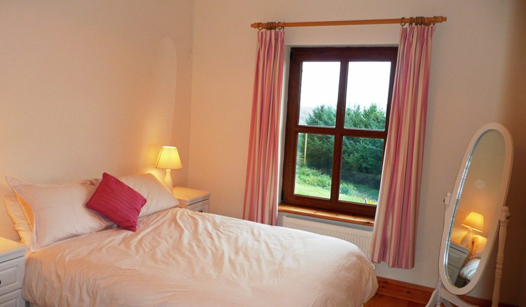 Holiday Cottage, Kerry, Ireland, Ard na Gaiote, Bedroom 1 with Sea View, Holiday Home with Sea and Mountain Views for Rent in Ireland along the Ring of Kerry, VRBO