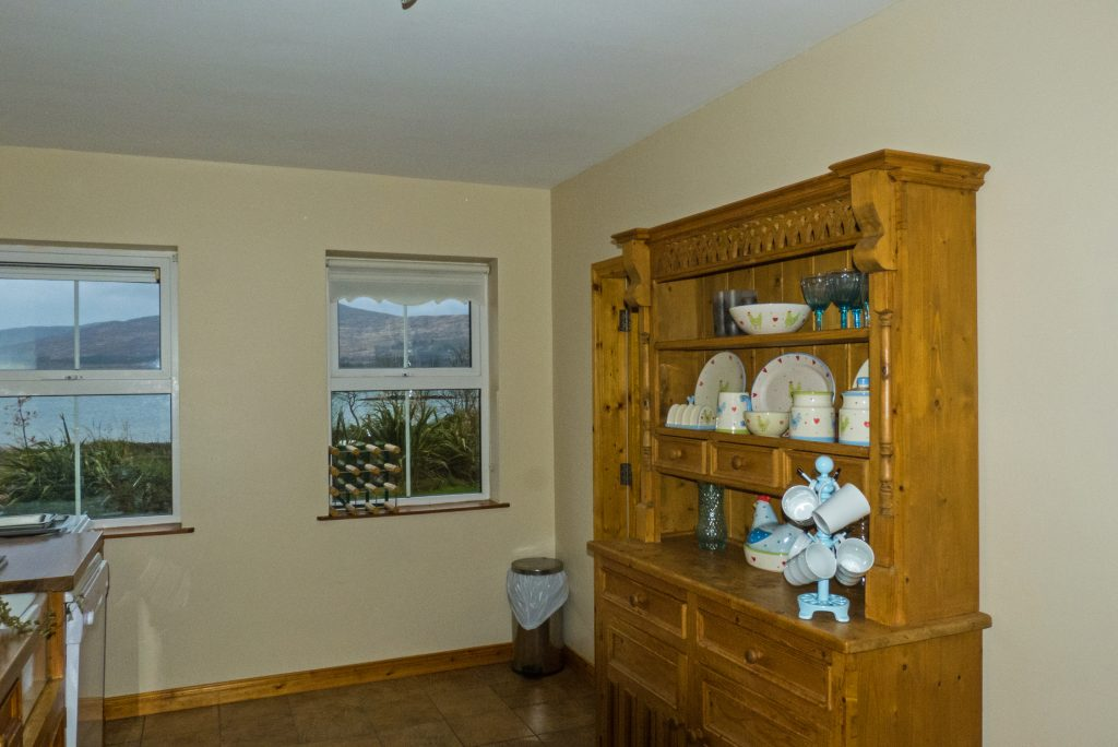 Heron Water Cottage, Kitchen with Sea View, Pict. 2. Rent an Irish Holiday Home with Sea View along the Wild Atlantic Way in Kerry, Rent a Cottage with Seaview in Ireland along the Ring of Kerry.