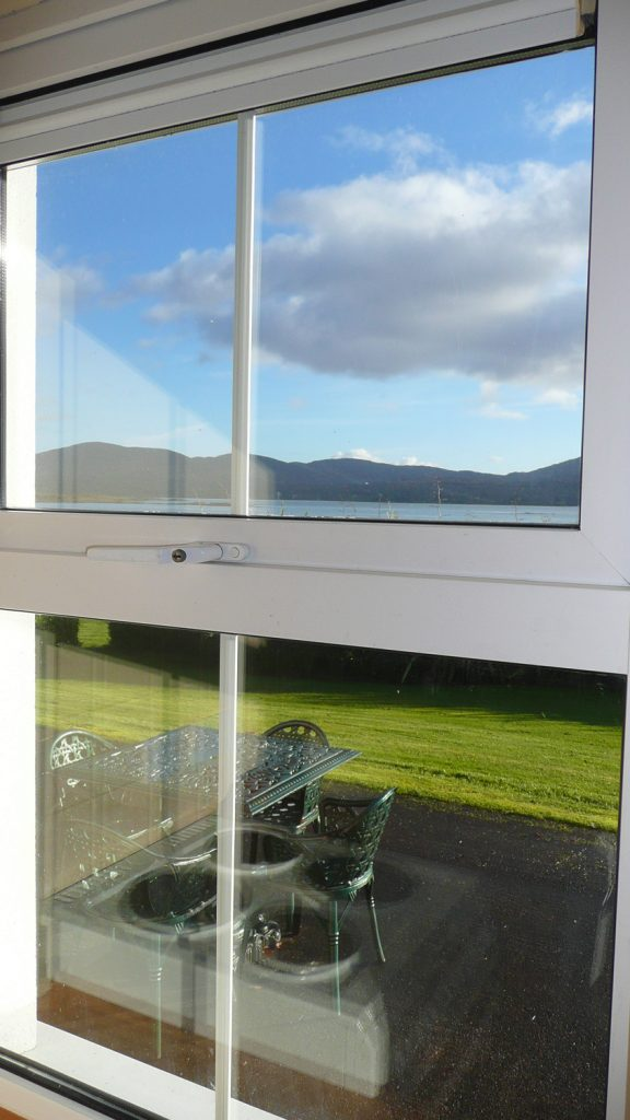 Heron Water Cottage, Kitchen with Sea View, Pict. 3. Rent an Irish Holiday Home with Sea View along the Wild Atlantic Way in Kerry, Rent a Cottage with Seaview in Ireland along the Ring of Kerry.