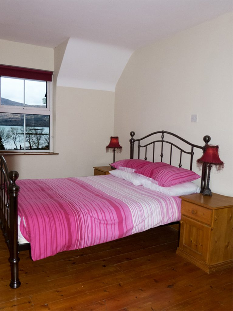 Heron Water Cottage, Bedroom 2. Both Bedrooms upstairs. Rent an Irish Holiday Home with Sea View along the Wild Atlantic Way in Kerry, Rent a Cottage with Seaview in Ireland along the Ring of Kerry.