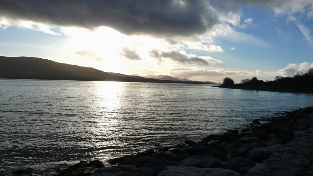 Heron Water Cottage, Kenmare Bay, Pict. 2. Rent an Irish Holiday Home with Sea View along the Wild Atlantic Way in Kerry, Rent a Cottage with Seaview in Ireland along the Ring of Kerry.