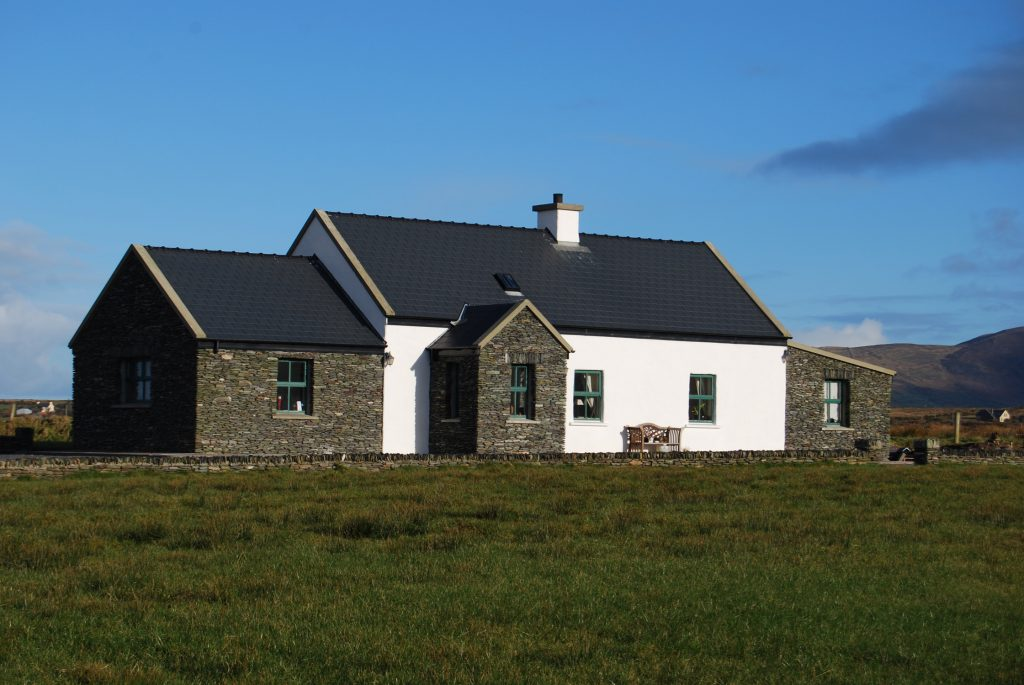 Patricks 01, Front Elevation, Pict. 2, Rent an Irish Cottage with Sea View along the Wild Atlantic Way in Kerry