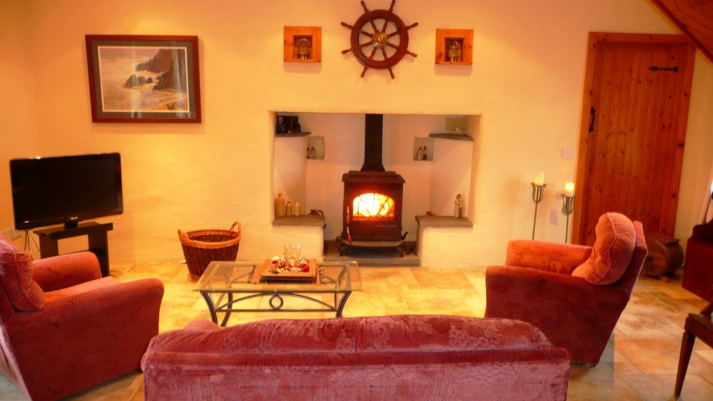 Patricks 02, Living Room, Pict. 3, Rent an Irish Cottage with Sea View along the Wild Atlantic Way in Kerry
