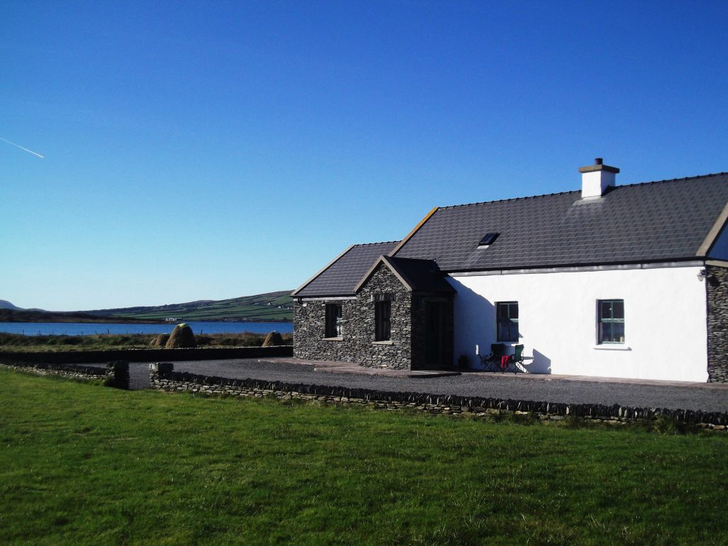 Patricks 05, Front Elevation, Pict. 3, Rent an Irish Cottage with Sea View along the Wild Atlantic Way in Kerry