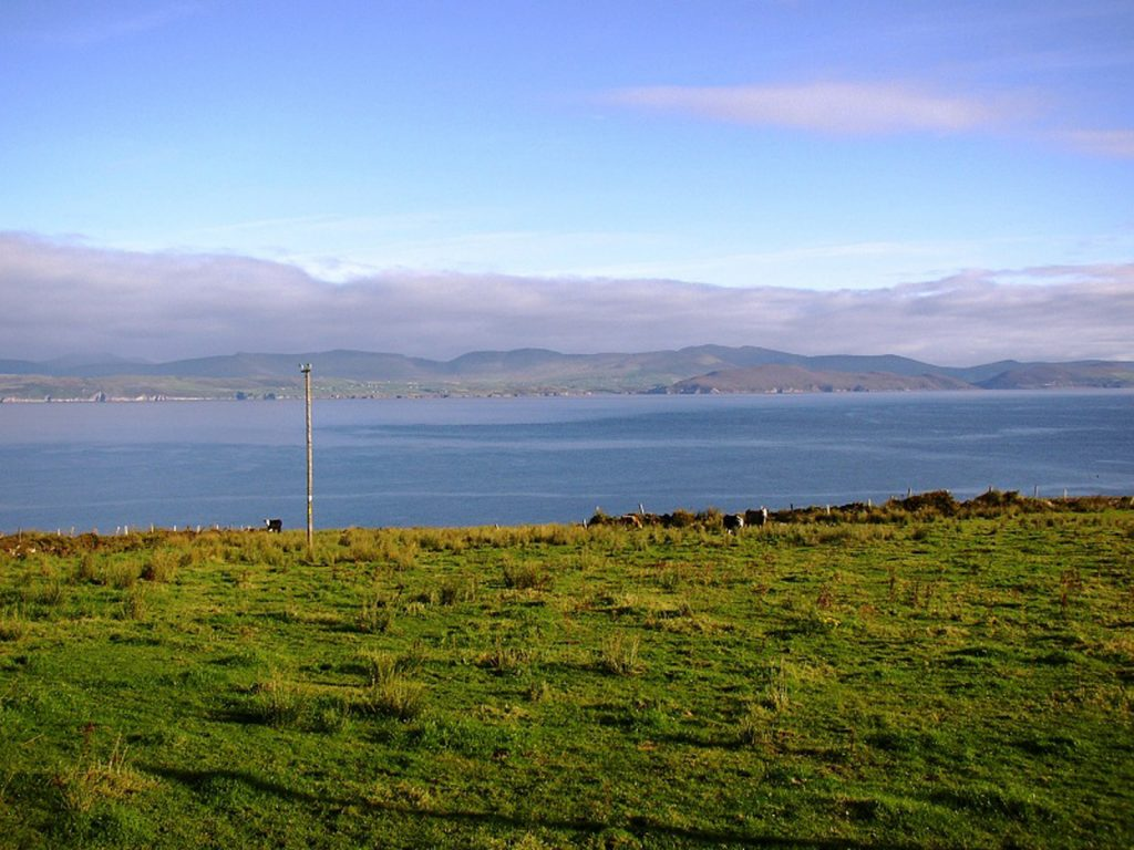 Roads Cottage, The Sea View, Rent an Irish Cottage with Sea View along the Wild Atlantic Way in Kerry