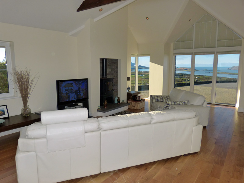 Holiday Home, Kerry, Ireland, Atlantic Dreams 01, Living Room with Sea View, Pict. 4, Holiday Home with Sea and Mountain Views for Rent in Ireland along the Ring of Kerry, VRBO