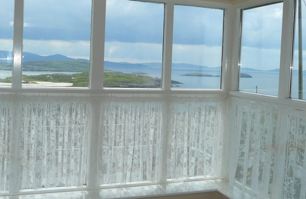 Holiday Home, Kerry, Ireland, Batts Cottage 02, Living Room, Pict. 4, Rent an Irish Cottage with Sea View along the Wild Atlantic Way in Kerry, VRBO