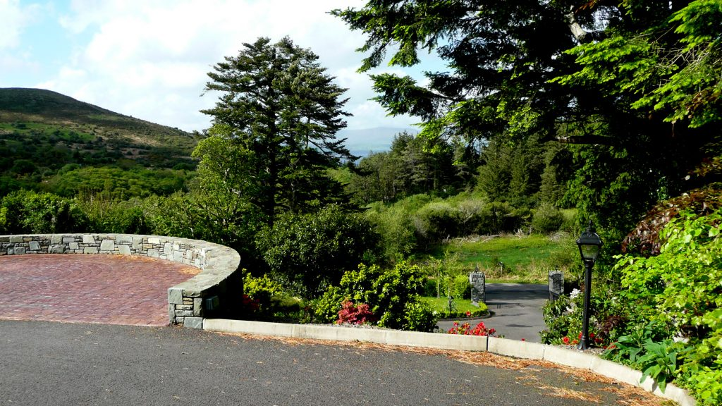 Holiday Home, Kerry, Ireland, Dellwood Lodge 04, Garden 2, Rent an Irish Cottage with Sea View along the Wild Atlantic Way in Kerry, VRBO