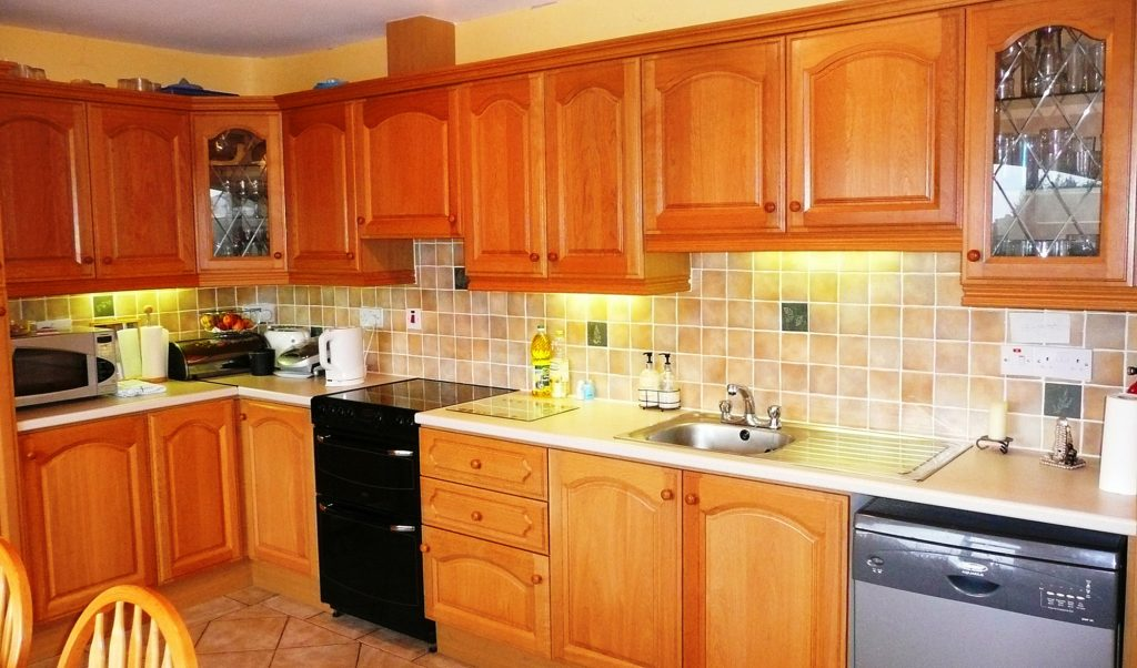 Holiday Home, Kerry, Ireland, Dellwood Lodge 07, Kitchen Pict. 1, Rent an Irish Cottage with Sea View along the Wild Atlantic Way in Kerry, VRBO