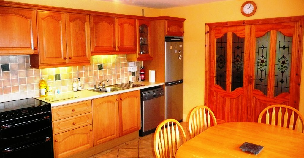 Holiday Home, Kerry, Ireland, Dellwood Lodge 07, Kitchen Pict. 2, Rent an Irish Cottage with Sea View along the Wild Atlantic Way in Kerry, VRBO