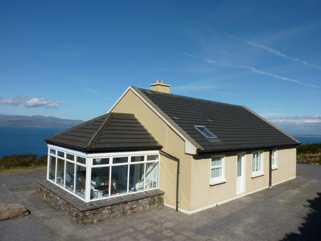 Heather Cottage, Rear Elevation, Pict. 1. Rent an Irish Holiday Home with Sea View along the Wild Atlantic Way in Kerry, Rent a Cottage with Seaview in Ireland along the Ring of Kerry.