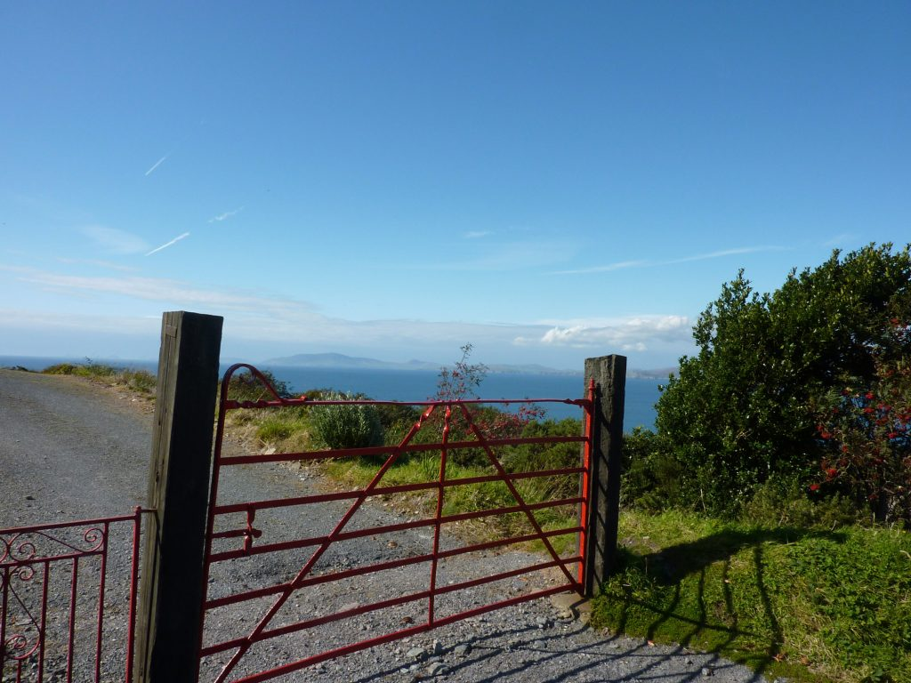 Heather Cottage, Sea View, Pict. 2. Rent an Irish Holiday Home with Sea View along the Wild Atlantic Way in Kerry, Rent a Cottage with Seaview in Ireland along the Ring of Kerry.