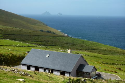 Skelligs House, HOuse from above. Rent an Irish Cottage with Sea View along the Wild Atlantic Way in Kerry from www.fir-darrig.net. Rent a Holiday Home with Seaview in Ireland along the Ring of Kerry.