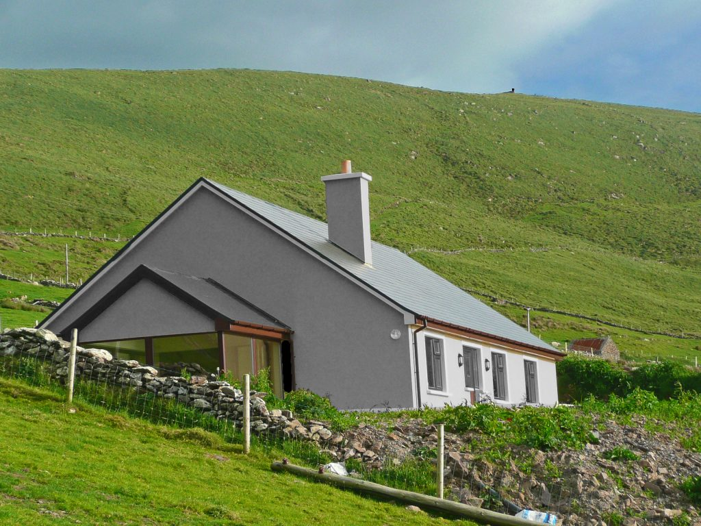 Skelligs House. Side Elevation. Rent an Irish Cottage with Sea View along the Wild Atlantic Way in Kerry from www.fir-darrig.net. Rent a Holiday Home with Seaview in Ireland along the Ring of Kerry.