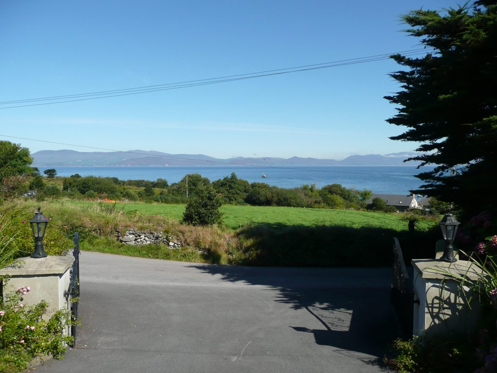 Taobh na Greine, The View, Pict. 5. Rent an Irish Cottage with Sea View along the Wild Atlantic Way in Kerry from www.fir-darrig.net. Rent a Holiday Home with Seaview in Ireland along the Ring of Kerry.