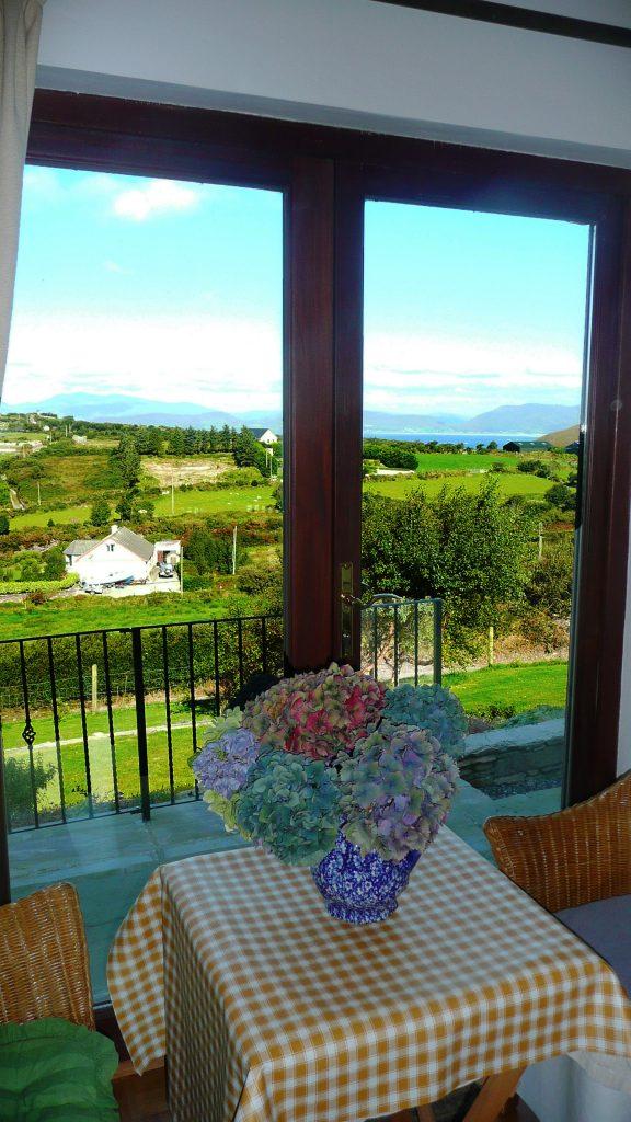 Ferienhaus, Kerry, Irland, Pairc na Realta, Wohnraum, Bild 3, Ferienhäuser mit Meerblick mieten in Irland - Cottages mit Seeblick mieten entlang des Ring of Kerry in Irland