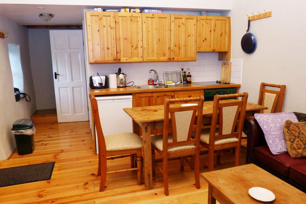 Ferienhaus, Kerry, Irland, Roads Cottage, Küch, Ferienhäuser mit Meerblick mieten in Irland - Cottages mit Seeblick mieten entlang des Ring of Kerry in Irland