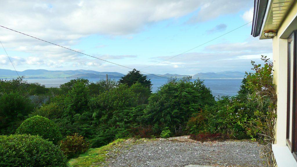 Ferienhaus, Kerry, Irland, Rockfield, Aussicht und Garten, Ferienhäuser mit Meerblick mieten in Irland - Cottages mit Seeblick mieten entlang des Ring of Kerry in Irland