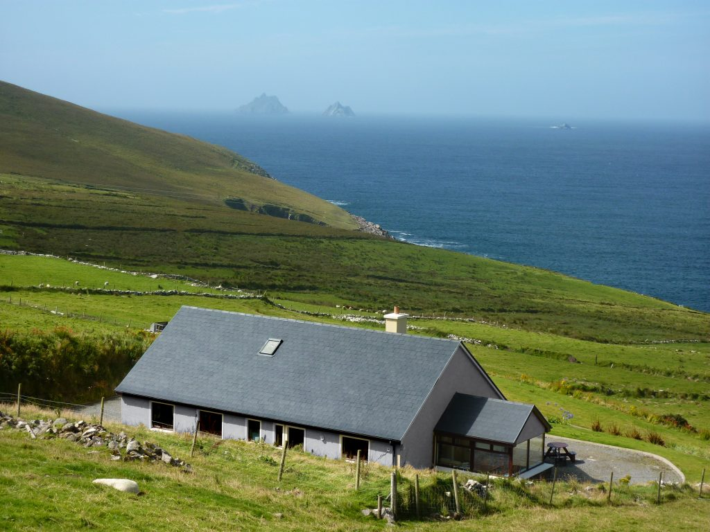 """Breda's House"" St Finian´s Bay"