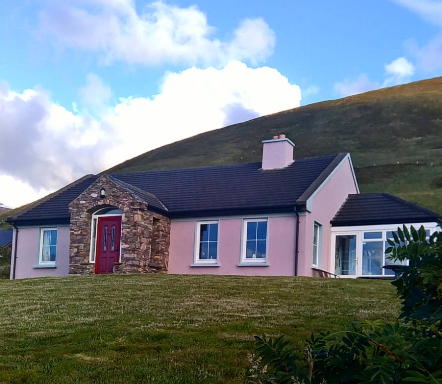Holiday Cottage Ireland, Heather Cottage with Sea View