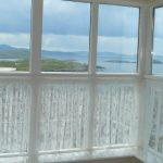 Ferienhaus, Kerry, Irland, Batts Cottage, Wohnzimmerfenster, Ferienhäuser mit Meerblick mieten in Irland - Cottages mit Seeblick mieten entlang des Ring of Kerry in Irland