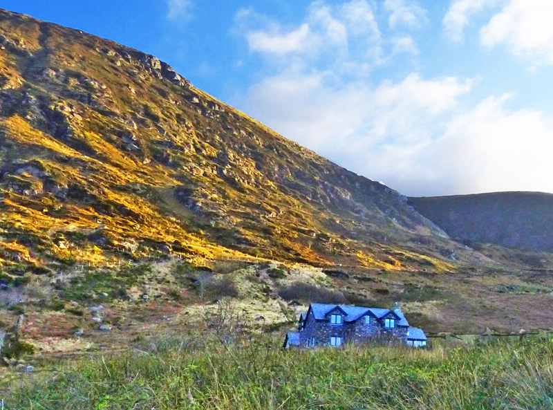 Holiday Home, Kerry, Ireland, Michaels 09, Front Elevation, Pict. 5, Rent an Irish Cottage with Sea View along the Wild Atlantic Way in Kerry