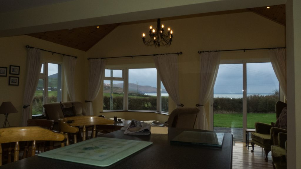 Tig na Cille, How would not want to relax here. A Beautiful Sunroom with Atlantic View. Rent an Irish Cottage with Sea View along the Wild Atlantic Way in Kerry from www.fir-darrig.net. Rent a Holiday Home with Seaview in Ireland along the Ring of Kerry.