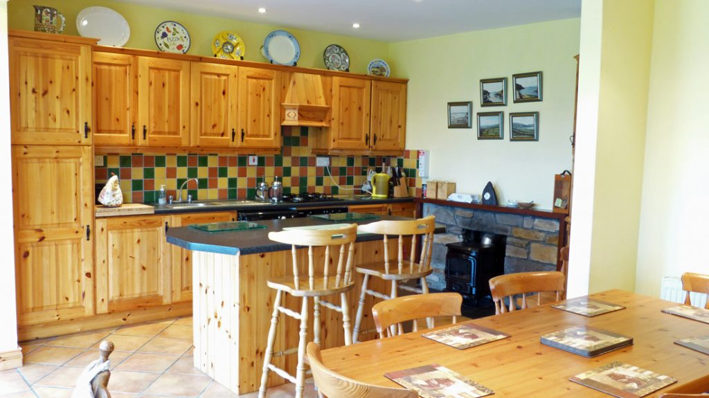A Beautiful Sunroom With; Tig Na Cille, The Kitchen Has Everything It  Needs. Rent An Irish Cottage With ...