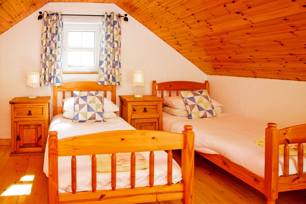 Holiday Home, Kerry, Ireland, A Grá mo Croí, Decking with Sea and Mountain Views, Rent a Cottage in Ireland along the Ring of Kerry