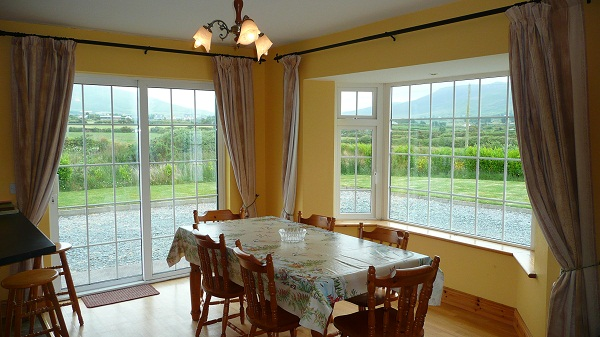 Holiday Home, Cahersiveen, Kerry, Irland, Margarets Dining Picture 1